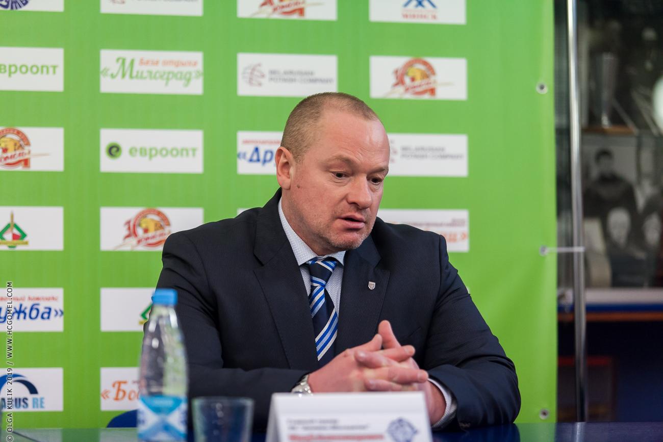 Юрий Файков