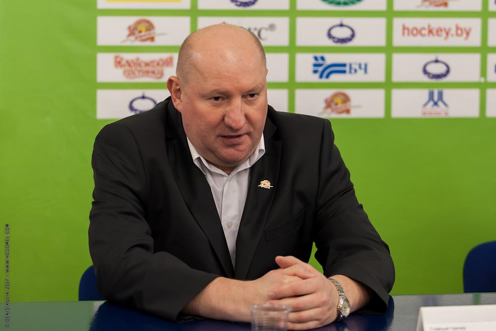 Олег Хмыль
